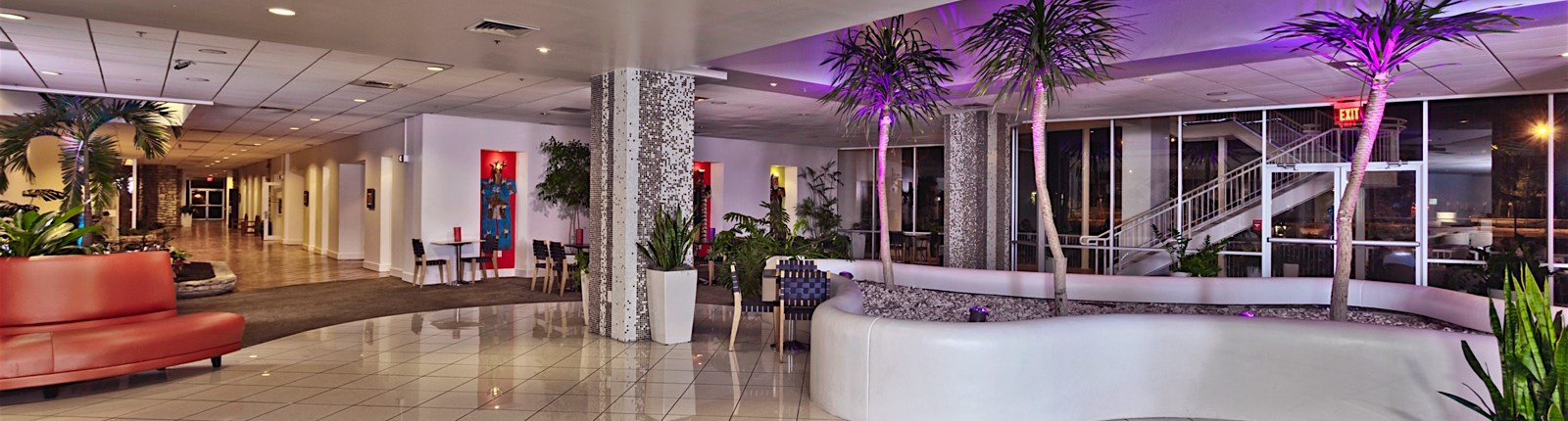 urple_planter_night_lobby